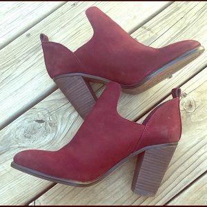 Vince Camuto Federa Ankle block Heel bootie 8.5